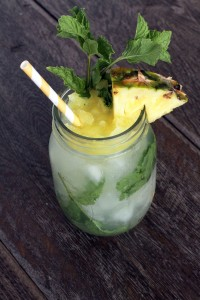Pineapple Peppercorn Mojitos {www.mylifeasamrs.com}